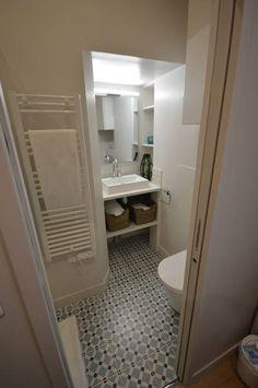 Appartement 30 m2 coeur de Paris, Parisd'intérieur - Côté Maison Decor, Furniture, Home, Ironing Center, Bathroom Mirror, Framed Bathroom Mirror, Bathroom, Storage, Bathtub