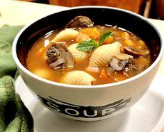 מרק+ירקות+פסטה+ופטריות Ramen, Cooking, Ethnic Recipes, Soups, Food, Cuisine, Kitchen, Meal, Eten