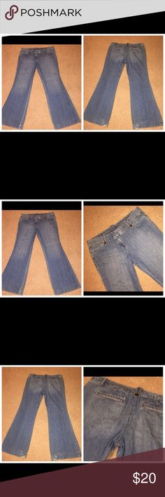 Ann Taylor Loft ladies cotton denim jeans, Sz 10 073017-40 drnerds  Ann Taylor Loft ladies cotton denim jeans, Sz 10 Ann Taylor Loft ladies 100% cotton denim jeans with very full leg, Sz 10. Fraying at bottom.  Waist - 35 Inseam - 32 Ann Taylor Jeans Flare & Wide Leg