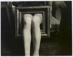 Man Ray :: Jambes dans un cadre (A classer), ca.1930 - Centre Pompidou