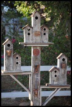 Cool Bird house - 22 Gorgeous And Unique Birdhouse Designs Diy Garden Decor, Garden Art, Garden Decorations, Herb Garden, Homemade Decorations, Planter Garden, Garden Terrarium, Big Garden, Terrace Garden