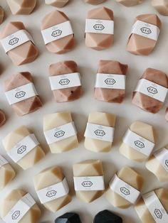 Peppermint Soap, Homemade Soap Recipes, Homemade Paint, Cold Process Soap, Handmade Soaps, Handmade Soap Packaging, Handmade Products, Home Made Soap, Bar Soap