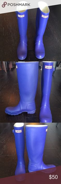 Hunter Wellington Boots - Lilac Great lilac Hunter Wellington boots! They are the classic tall, matte color. Have been worn maybe 10 times. Like new condition! Size in the boot says 5/6 Hunter Shoes Winter & Rain Boots