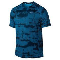 Sport Shirt Design, Sports Jersey Design, Mens Running Shirts, Running Apparel, Neon Nike Shoes, Nike Clothes Mens, Cool Graphic Tees, Men's Wardrobe, Mens Activewear