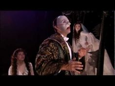 The Phantom of the Opera London footage [HD] (Ahh Ramin....and I'm sorry but that is an ugly Raoul, he stands absolutely no chance next to Erik!)