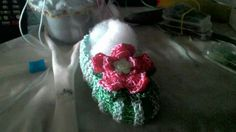 Llavero salva bolso de patuco con flor