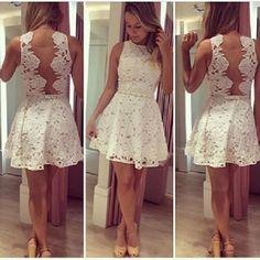Csipke ruha fehér színben,4 méretben.