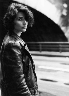 Robert Doisneau // Juliette Binoche On The Quays Of The Seine , 1991- 92