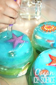 Try ice melting science with an ocean sensory play theme! Ice melting activities are easy science experiments for toddlers, preschoolers, and kindergarteners to have fun and learn. Easy to set up, Icy science activities are terrific for early learning all year long.