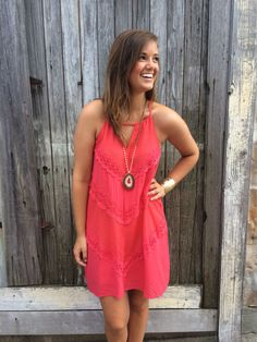 Love this coral dress! Shop Branded on Instagram! @youvebeen_branded
