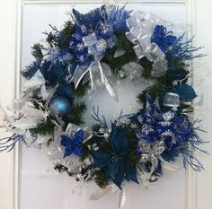 christmas wreaths blue and green | Forget the red and green. Give me a blue CHRISTmas wreath!