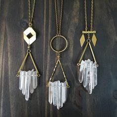 Gold and raw crystal necklaces - geometric shapes - natural - boho gypsy jewelry Gypsy Jewelry, Art Deco Jewelry, Modern Jewelry, Jewelry Crafts, Vintage Jewelry, Jewelry Design, Vintage Brooches, Crystal Jewelry, Beaded Jewelry