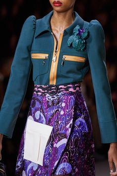 Louis Vuitton Spring 2020 Ready-to-Wear Fashion Show - Vogue Source by 2020 fashion trends women 2020 Fashion Trends, Fashion Week, Fashion 2020, Runway Fashion, Fashion Brands, Fashion Show, Fashion Outfits, Womens Fashion, Fashion Designers
