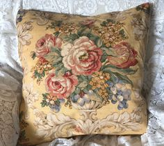 220 vintage pillows ideas vintage