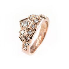 Crown Ring in rose gold.