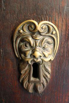 Serratura portone #scrigno #portone #serratura #chiave #key #door