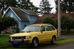 OLD PARKED CARS.: 1976 Honda Civic CVCC Wagon.