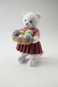 Hello kitties! Alan Dart's knitting cats have arrived | Simply Knitting