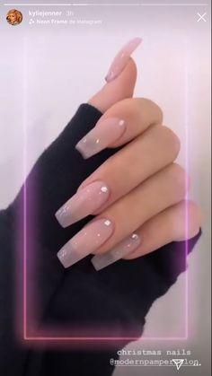 How to choose your fake nails? - My Nails Natural Acrylic Nails, Best Acrylic Nails, Long Square Acrylic Nails, Acrylic Nails For Summer Coffin, Natural Fake Nails, Colored Acrylic Nails, Long Square Nails, Tapered Square Nails, Acrylic Nail Shapes