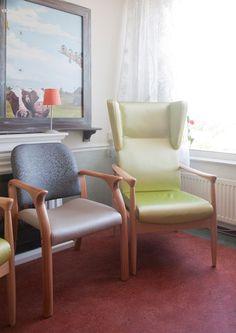 Herstofferen zorgstoel en relaxfauteuil. Voor elke afdeling een eigen kleurstelling. VISION FURNITURE, de ZORGrestylers.  www.visionfurniture.nl