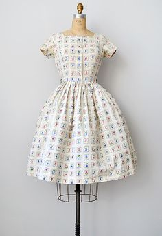 Vintage 1950s floral print Betty Barclay dress