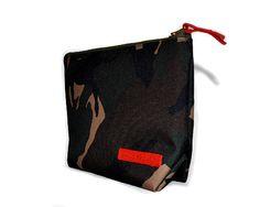 Roxy Unisex Carry-All Clutch (Camo)