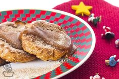 Rabanada feita no forno, com super toque de canela e com uma cobertura deliciosa de doce de leite