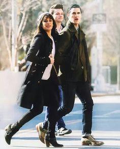 Grabaciones de 'New new york' ♥ Chris Colfer, Darren Criss, Glee Cast, It Cast, Couple Illustration, Lea Michele, Winter Jackets, Boys, Cabana