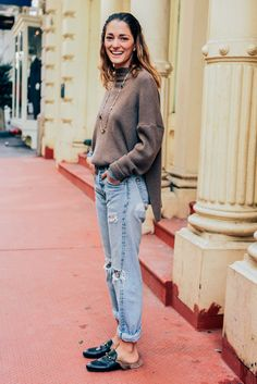 February 10, 2016  Tags Black, Brown, Blue, Jeans, Gucci, Denim, Distressed, Necklaces, Knitwear, Ripped, Sweaters, New York, Turtlenecks, Ribbed, Loafers, Sofia Sanchez de Betak, FW16 Women's, 1 Person