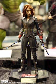 New Age of Ultron Hot Toys Show Off Our Fave Avengers' New Movie Costumes | Page 2 | The Mary Sue