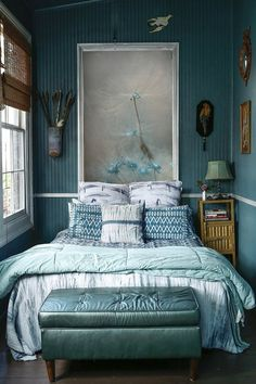 Cen't get enough of this color https://www.etsy.com/es/listing/179608752/flower-photography-dandelion-print-blue