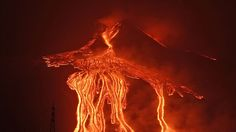 Etna is with a height of over 3,300 meters not only the highest, it is above all the most active volcano in Europe until today. Repeatedly came and it comes to devastating outbreaks of the volcano. In 1536 the avalanche of mud and lava and ash rain demanded approximately 1,000 fatalities.