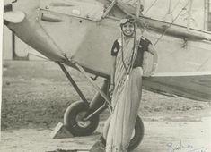 Sarla Thakral se tornou a primeira mulher indiana a ganhar uma licença de piloto aos 21 anos de idade – 1936