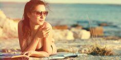Heerlijk, de zon in! Natuurlijk weten we inmiddels prima hoe we zonnebrandkunnen voorkomen. Maar er zijn nog meer zomerse huidklachten…