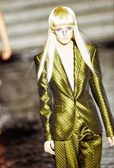 Alexander McQueen Spring 1997 Ready-to-Wear Fashion Show - Amy Wesson