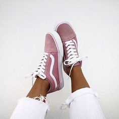26 Cozy Casual Shoes That Always Look Great – c l e m e n . p a i n t / 26 Cozy Casual Shoes That Always Look Great Unique Casual High Heels Sock Shoes, Vans Shoes, Cute Shoes, Me Too Shoes, Shoe Boots, Shoes Heels, Pink Sneakers, Superga Sneakers, Summer Sneakers