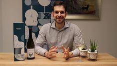 Il Grillo Vigna Verde di Marco De Bartoli è il vino d'annata della Tenuta Samperi.   Le uve, scrupolosamente selezionate, fermentano e affinano in acciaio, ottenendo così un vino profumatissimo, fragrante, fresco, vivace, frutto di un territorio davvero unico, che ha come interprete questo meraviglioso vitigno autoctono: il Grillo. Film, Dinners, Green, Movie, Film Stock, Cinema, Films