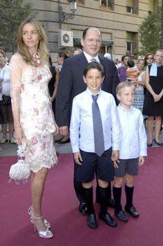 principe Kardam y princesa Miriam con sus hijos en la boda de Paloma Segrelles y Emilio Àlvarez