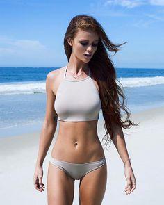 2010 redhead actress plump