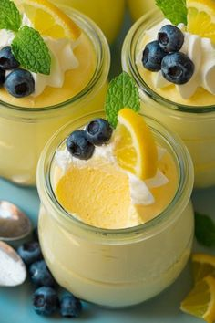 Checkout the best easy lemon cheesecake mousse recipe on the net! Once you try this delicious dessert, you will ask for more! Spring Desserts, Lemon Desserts, Lemon Recipes, Sweet Recipes, Delicious Desserts, Yummy Food, French Desserts, Sweet Desserts, Easy Lemon Cheesecake