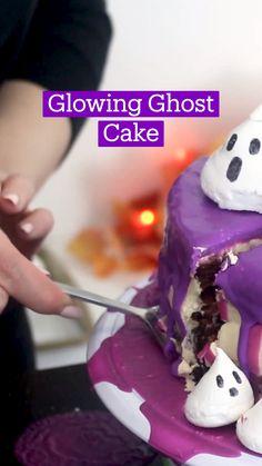 Halloween Desserts, Halloween Food For Party, Halloween Cakes, Halloween Treats, Fun Baking Recipes, Cake Recipes, Dessert Recipes, Delicious Desserts, Yummy Food