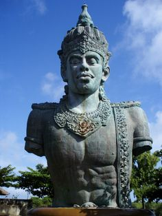 The plan is to make it the tallest statue in the world, meet wisnu who is still issuing his Garuda #gwk #bali #360bali