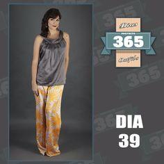 PROYECTO 365 DÍA 39: Camisa Floripondia, pantalón Mara Montauti y accesorios @flortdiaz. CRÉDITOS: @proyecto365venezuela @elclosetcriollo @Juan bautista Rodriguez @Aborigo @centrografico #Proyecto365 #HechoEnVenezuela #Venezuela #ModaVenezuela #Fashion #Design