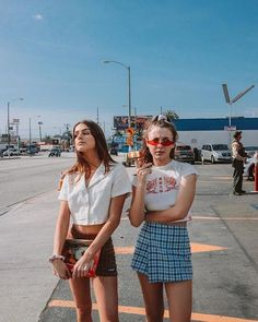 Improve How You Look With These Great Fashion Tips Cute Casual Outfits, Retro Outfits, Grunge Outfits, Emma Style, Style Me, Brandy Melville Outfits, Brandy Melville Skirt, Style Pastel, 90s Fashion