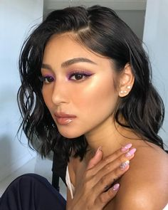 The Best Beauty Looks of The Month So Far - Nadine Lustre Filipina Makeup, Filipina Actress, Filipina Beauty, Nadine Lustre Instagram, Nadine Lustre Makeup, Lady Luster, Beauty Makeup, Eye Makeup, Gold Eyeshadow