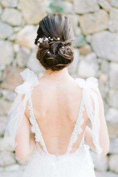 An Elegant and Stunning Bridal Hairstyle From An Elegant French Riviera Elopement Wedding Photoshoot Wedding Hairstyles For Long Hair, Loose Hairstyles, Bride Hairstyles, Bohemian Style Dresses, Bohemian Bride, Elope Wedding, Wedding Gowns, Elopement Wedding, Backless Wedding