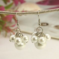 Fashion Glass Pearl Earrings with Brass Earring Hooks