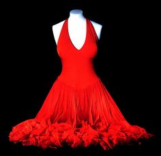 This is Marilyn Monroe's actual dress. I want it, but it costs over $1,000,000. :'( sob, sob!