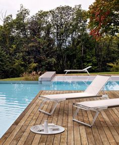 Chaise longue Mirto Outdoor B&B Italia Outdoor - Design by Antonio Citterio Outdoor Seating Areas, Outdoor Spaces, Outdoor Living, Above Ground Swimming Pools, Swimming Pools Backyard, Outdoor Pool, Outdoor Gardens, Outdoor Decor, Outdoor Furniture