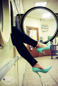 Love in a Laundromat! Pin Up Photography, Photography Editing, Pinup Photoshoot, Photoshoot Ideas, Laundry Shoot, Lazy Fashion, High Fashion, Cd Artwork, Fashion Shoot